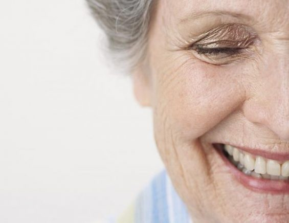 5 nützliche Informationen, um das Tragen von Zahnprothesen zu erleichtern